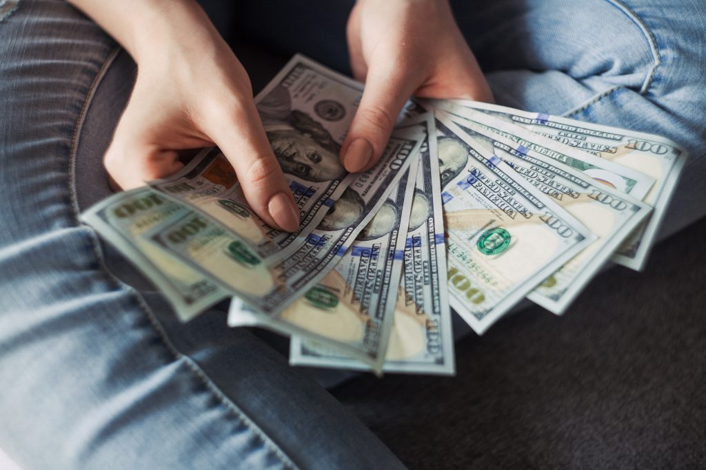 5 Huge Ways that Spending Can Save You Money   saving money   how to save more money   easy ways to save   ways to save money   spending wisely   investing money #hugesavings #savingmoney #howtosavemoremoney #easywaystosave #investing #spendingwisely #saving #spending